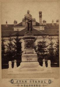 Spomenik Petru Preradoviću / Ivan Standl