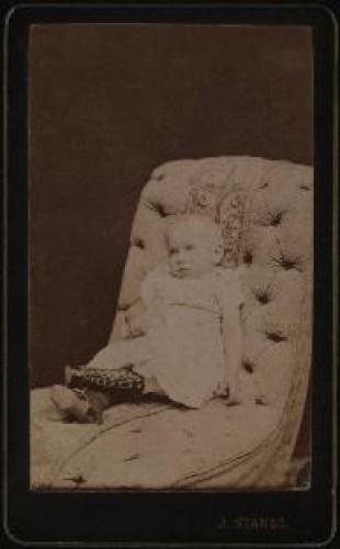 Portret djeteta u naslonjaču / Ivan Standl