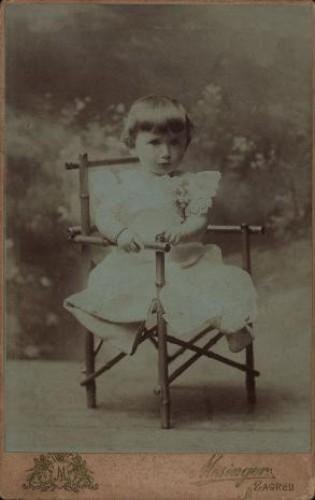 Portret djevojčice u bijeloj haljinici / Mosinger / [izradio] Artistički zavod Mosinger